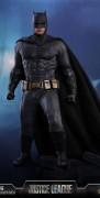 dc-comics-justice-league-batman-sixth-scale-figure-hot-toys-903308-01